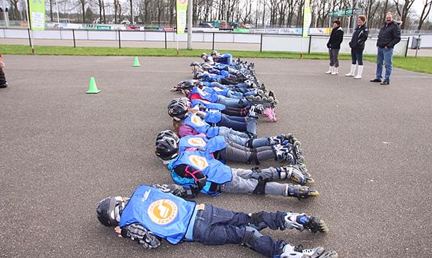 Schoolskaten! bij de Schaatstrainingsgroep