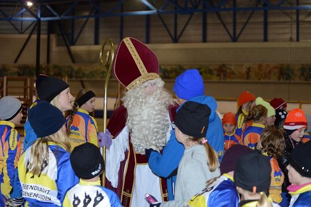 Sinterklaasfestijn bij schaatstraining STG